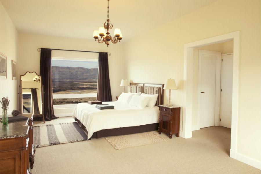 Relais & Chateaux - il resort Eolo per scoprire la Patagonia: nell'immagine, una camera con vista sulla steppa