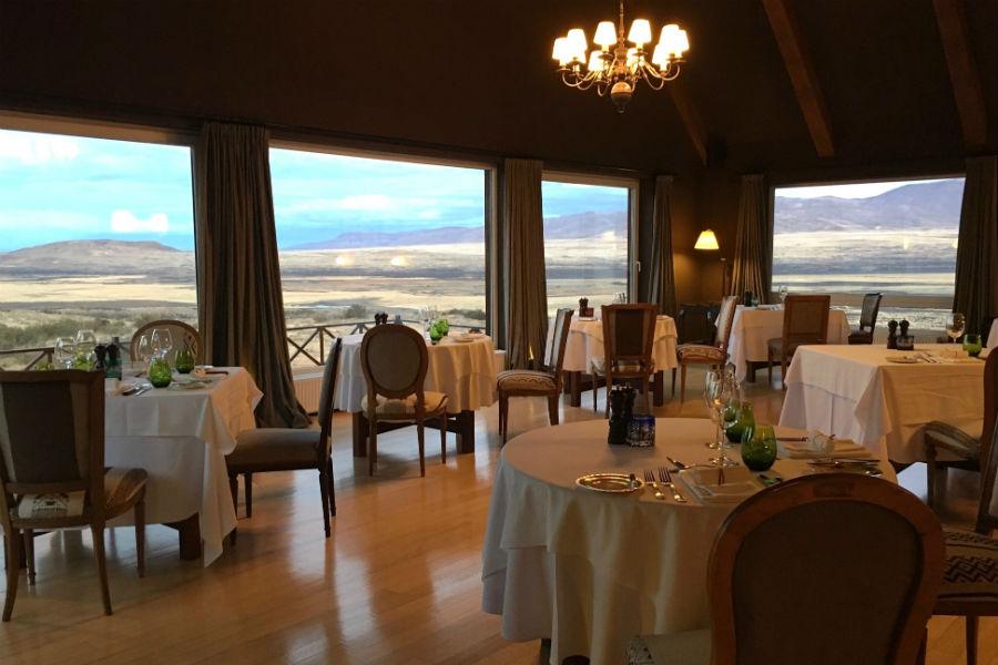 Relais & Chateaux - il resort Eolo per scoprire la Patagonia: nell'immagine la sala ristorante
