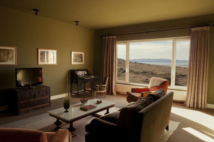 Relais & Chateaux - il resort Eolo per scoprire la Patagonia: nell'immagine la sala tv