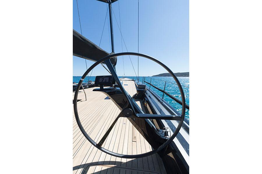 Dettagli esterni della barca a vela Wally 100 Tango