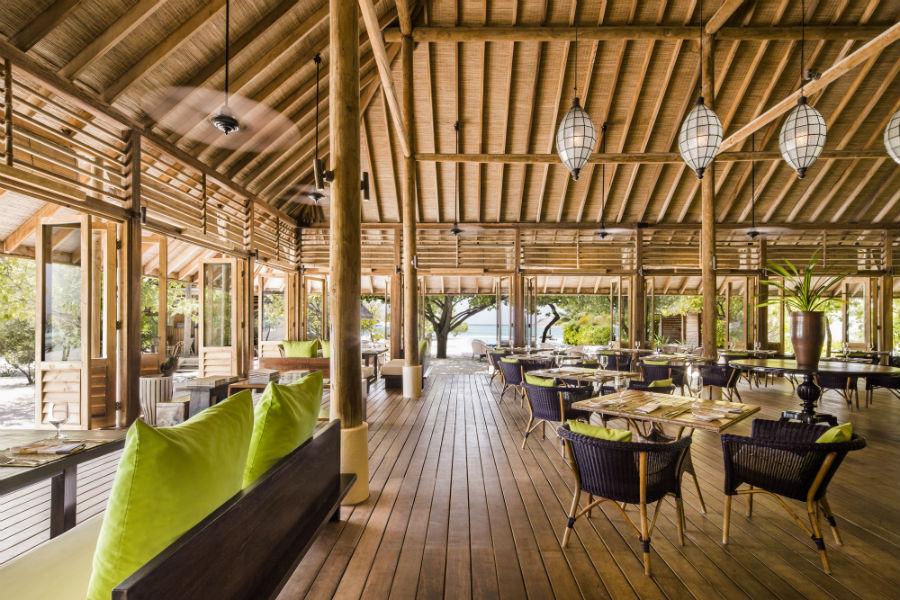 Cocoa Island, resort di lusso a Makunufushi - Maldive: nell'immagine il ristorante del resort
