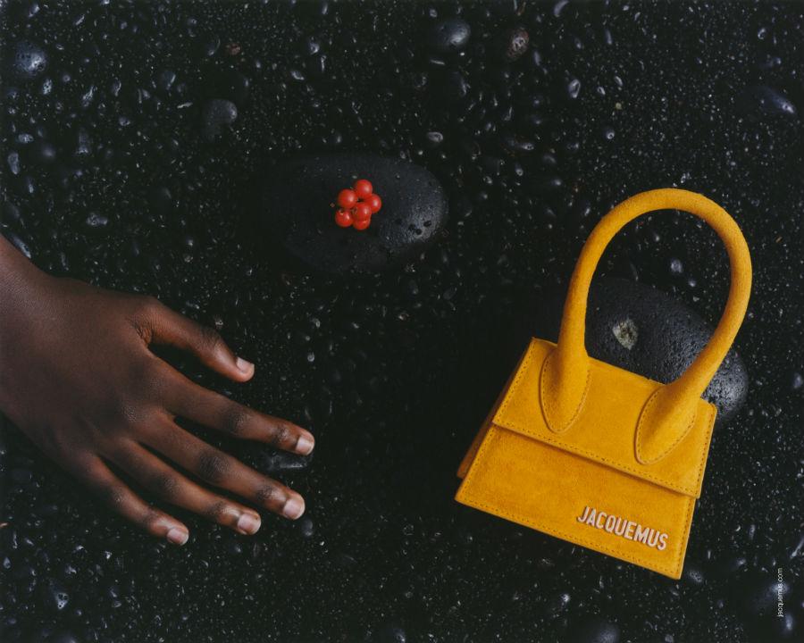 Jacquemus - immagine di una borsetta gialla