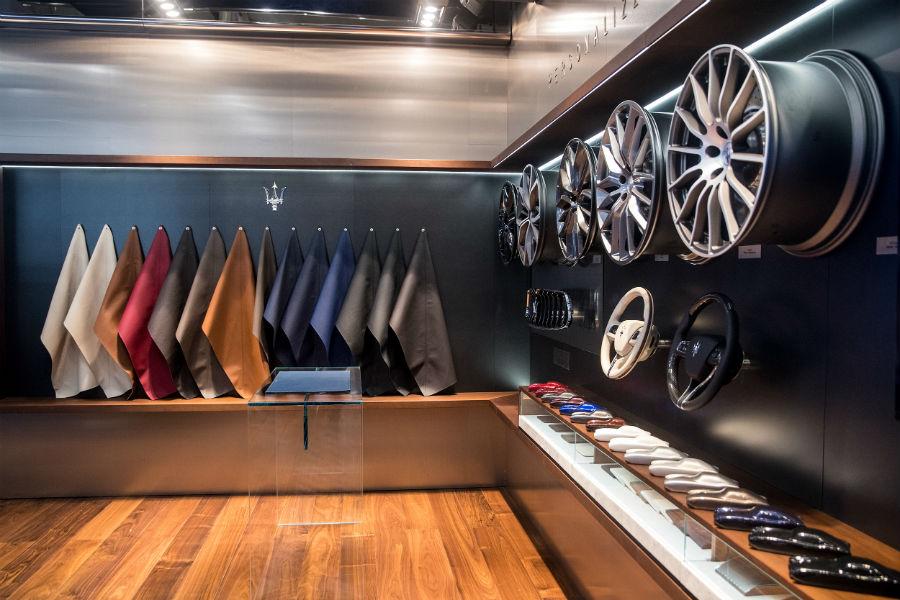 L'angolo dedicato alla personalizzazione by Ermenegildo Zegna presso lo stand Maserati al Salone Auto China 2018