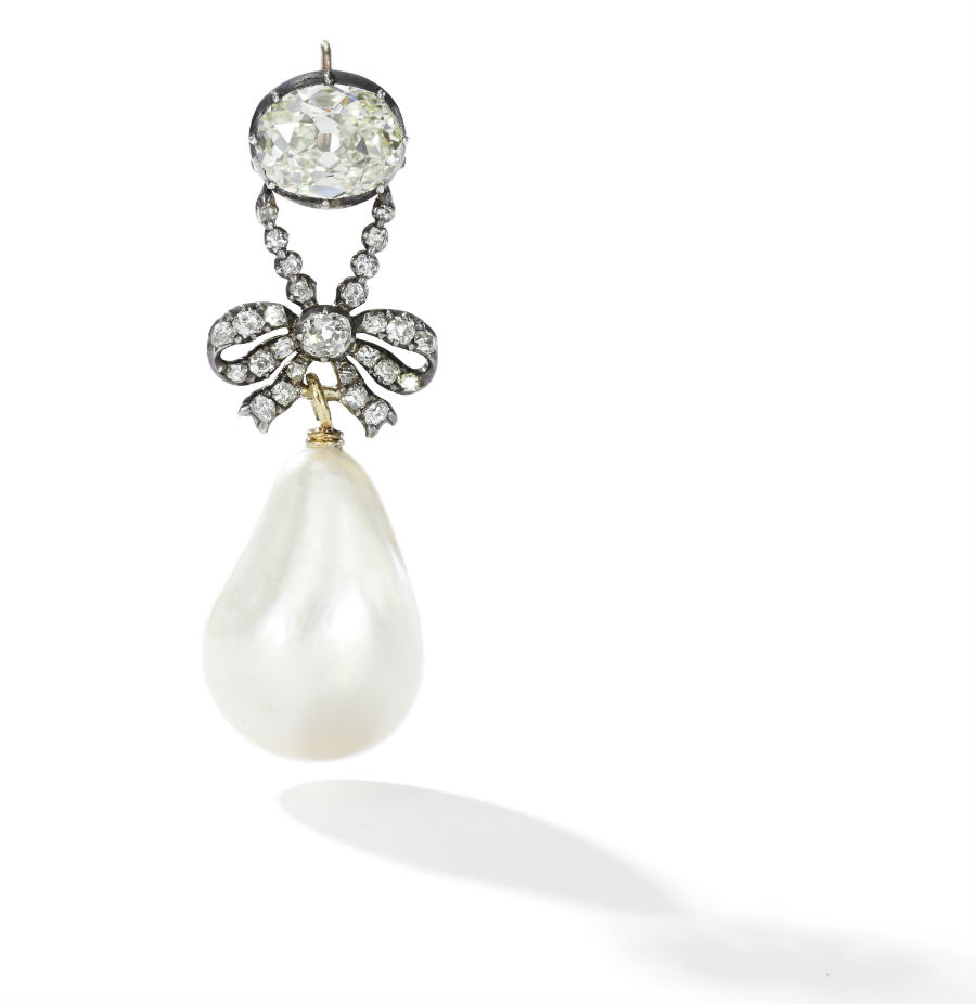 Royal Jewels from the Bourbon Parma Family - Sotheby's - nell'immagine: Pendente con perla naturale e diamanti, XVIII secolo, venduto per 36.165.090 USD