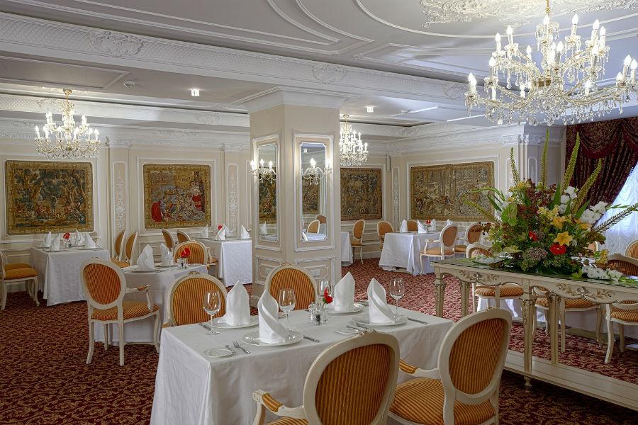 State Hermitage Museum Official Hotel, tra eccellenza e tradizione a San Pietroburgo: la sala ristorante