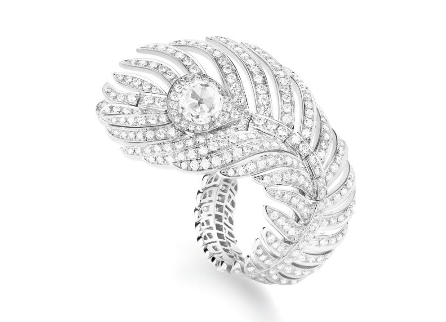 Boucheron Gioielli – Plume de Paon – Anello in oro bianco con diamanti.