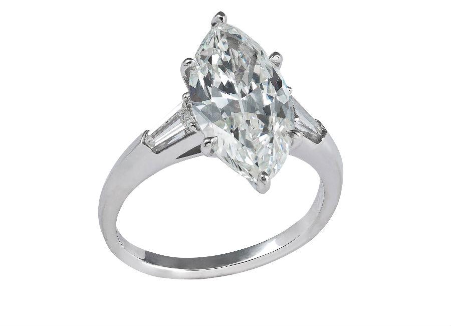 Pisa Diamanti – Anello con un diamante taglio marquise.