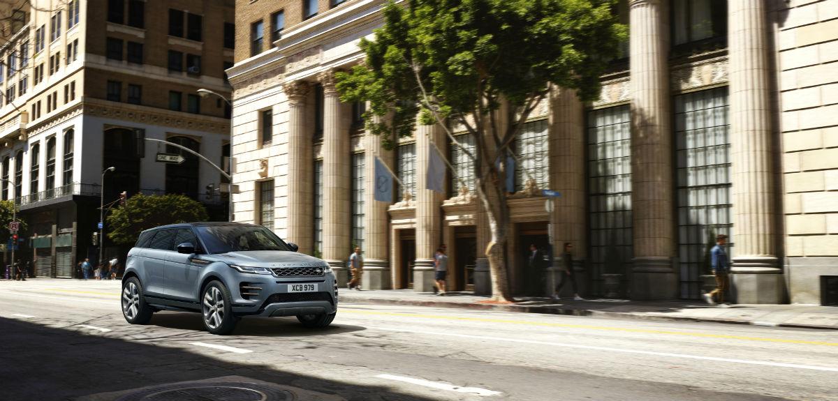 La nuova Range Rover Evoque su strada