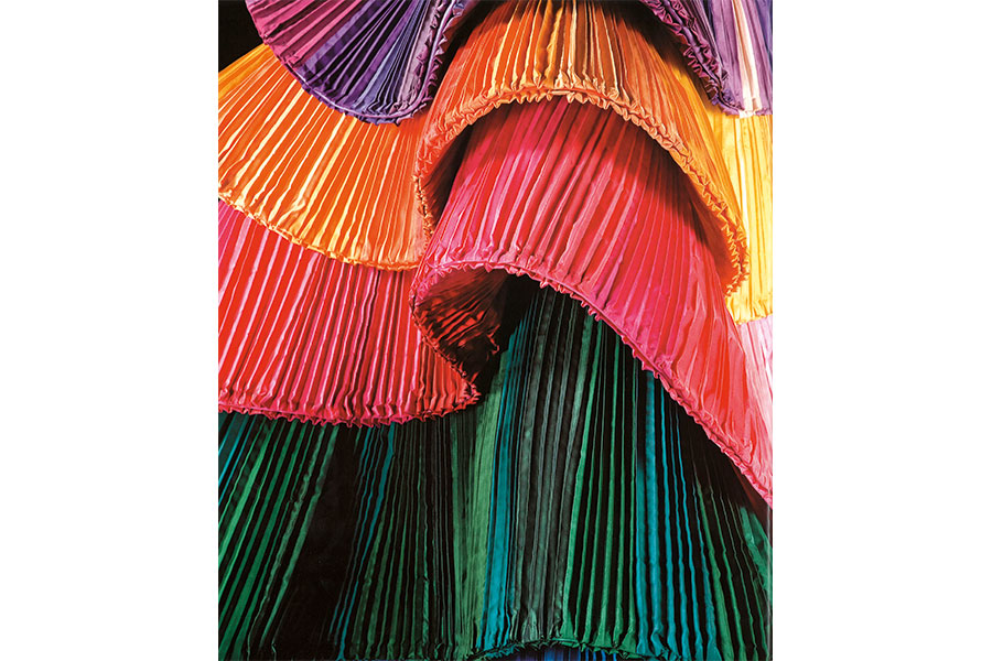 Courtesy - Archivio Fondazione Capucci / Claudia Primangeli Roberto Capucci, dettaglio dell'abito scultura in taffetas di seta, Berlino 1992