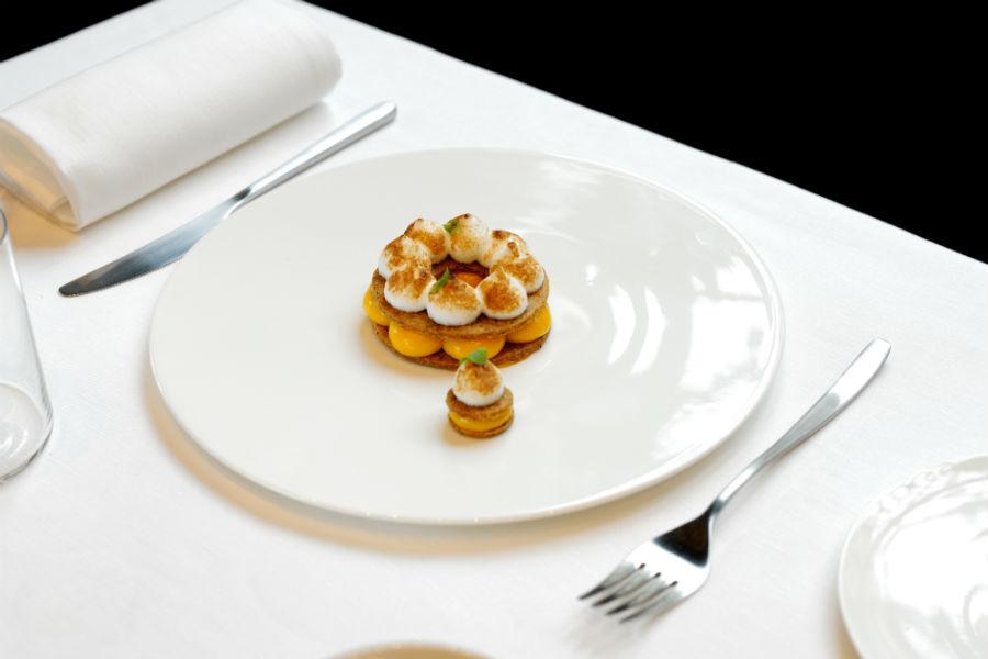 Voce Milano, il nuovo ristorante di Aimo e Nadia in Gallerie d'italia, in Piazza della Scala: nell'immagine una delle proposte culinarie