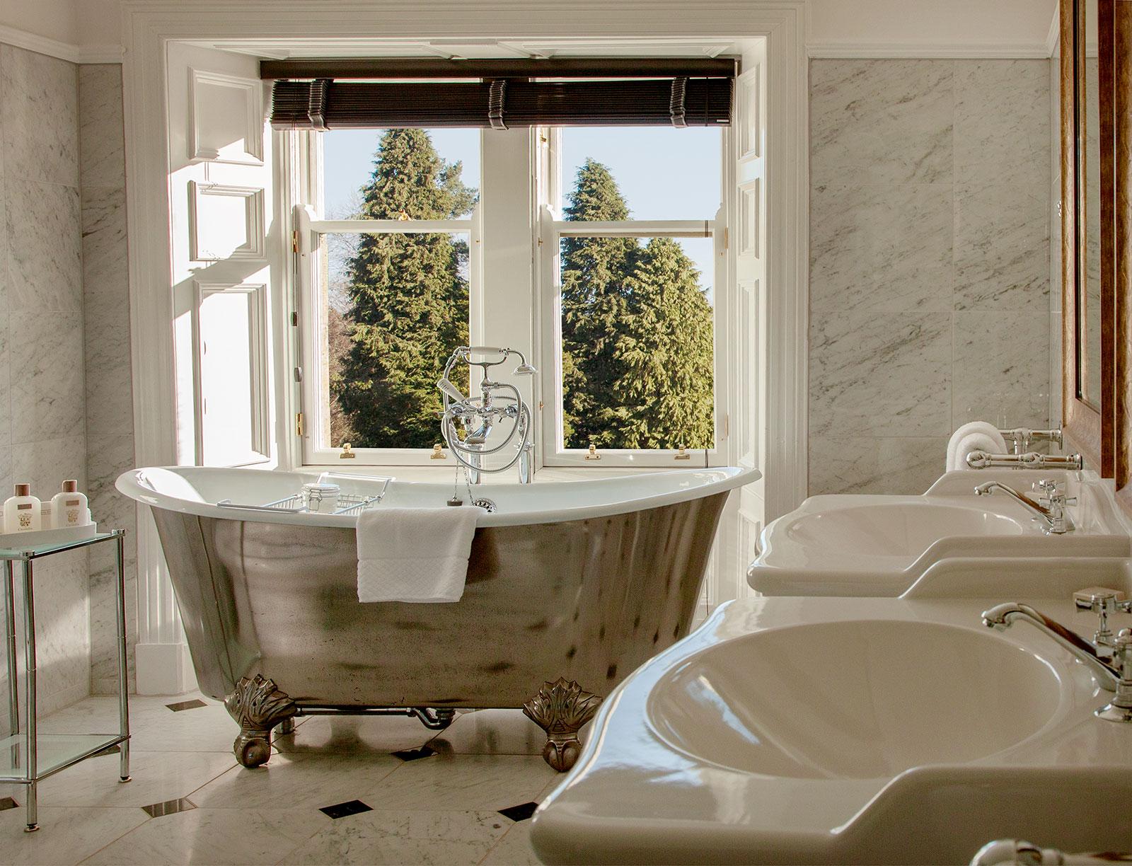 Cromlix Hotel Bath Vignette The-Ducker