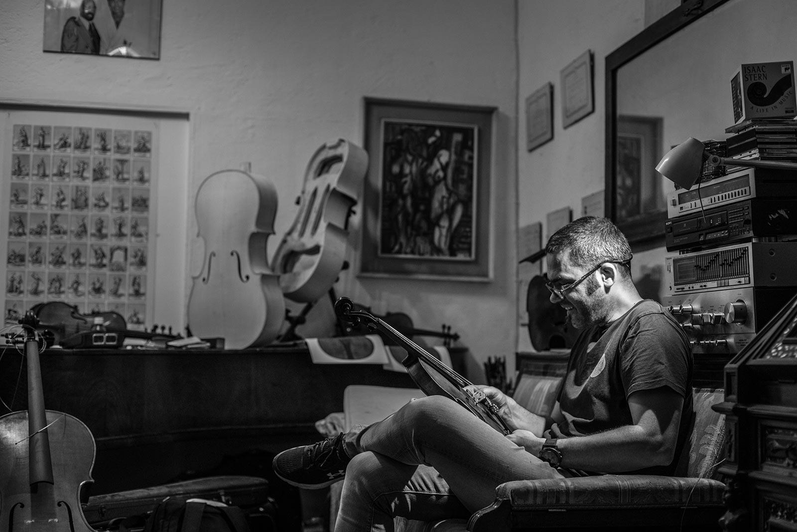 Liuteria Milano: Maestro Lorenzo Rossi