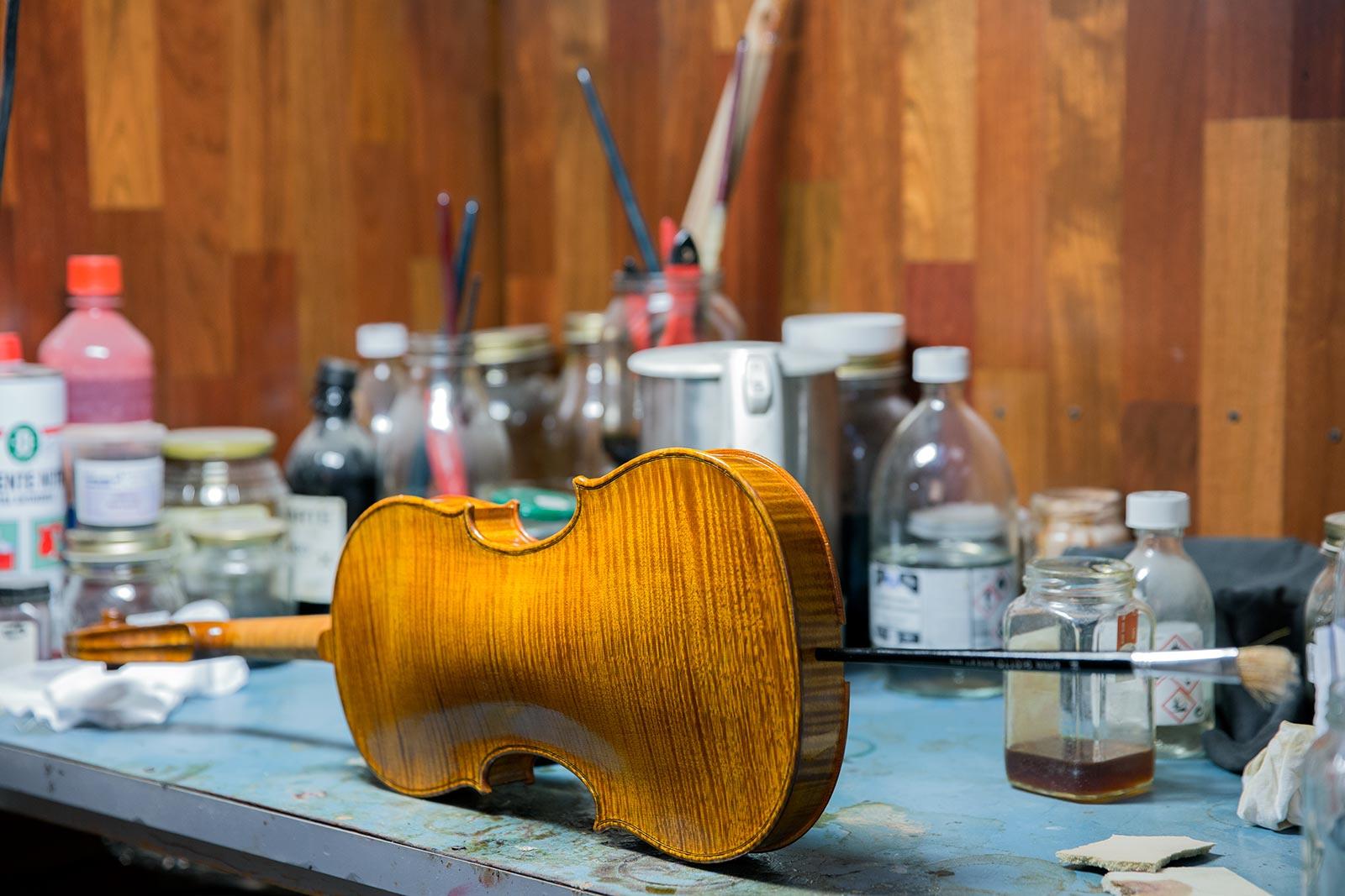 Liuteria Milano: Retro Violino Realizzazione