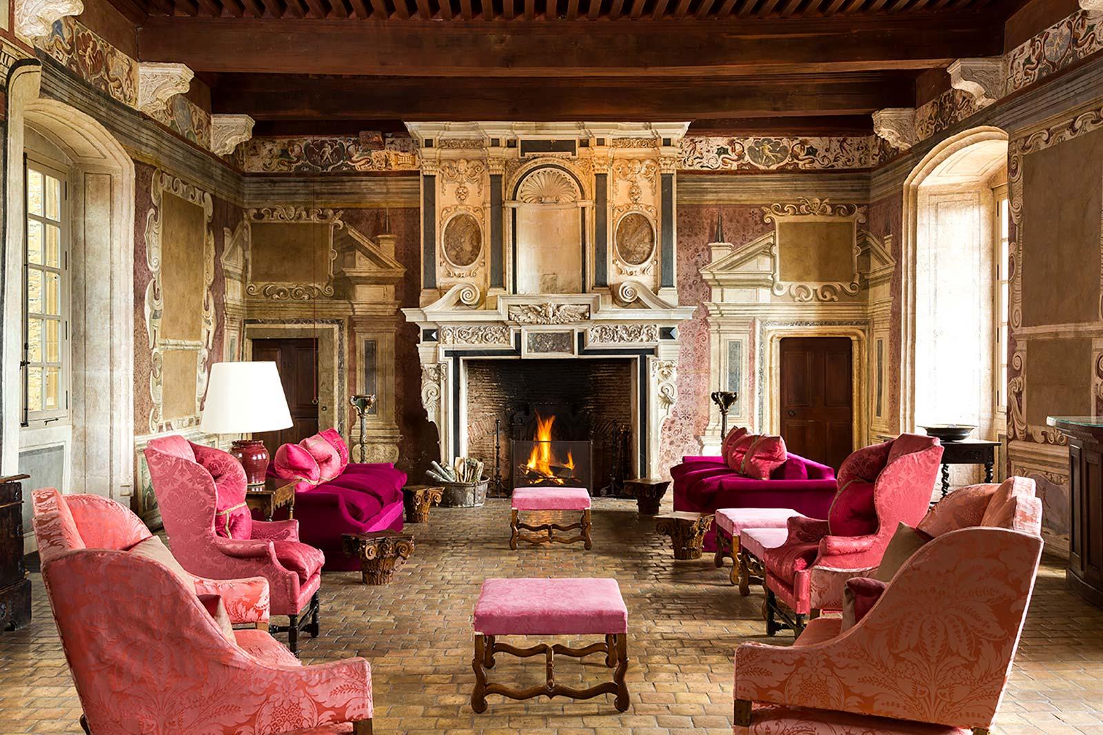 Beaujolais Nouveau: Cheteau de Bagnols Grand Salon