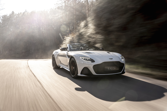 Aston Martin DBS Superleggera in versione Volante