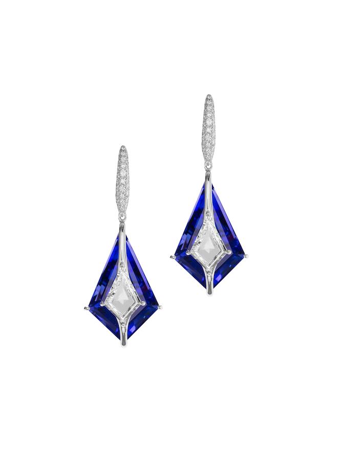Boghossian – Orecchini con diamanti e zaffiri.