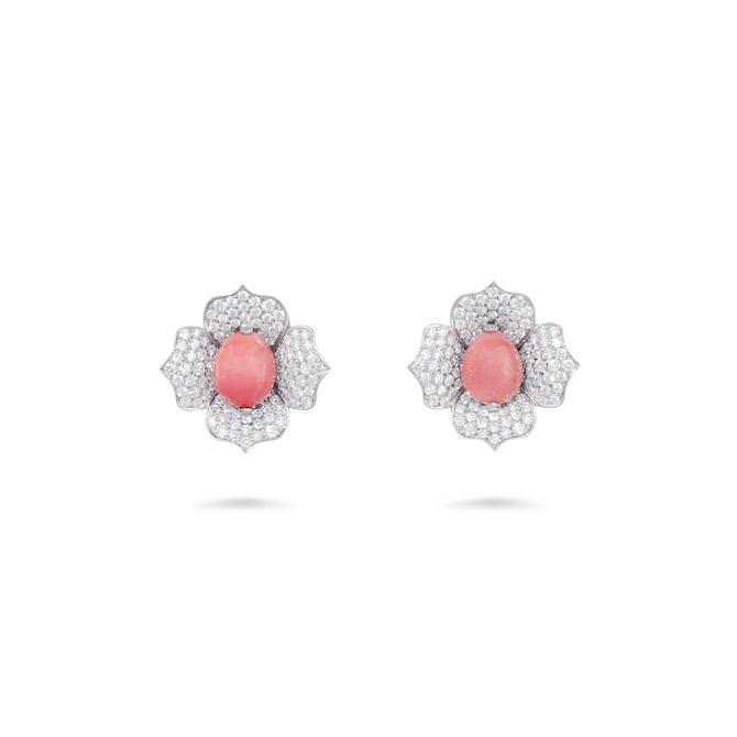David Morris – Orecchini in oro bianco e diamanti con Perle rosa conch