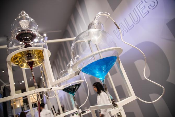 Una suggestiva immagine del Lab, area introdotta nell'edizione 2019 del SIHH e voluta per approfondire la conoscenza dell'innovazione e dei nuovi materiali costituenti dell'orologeria.