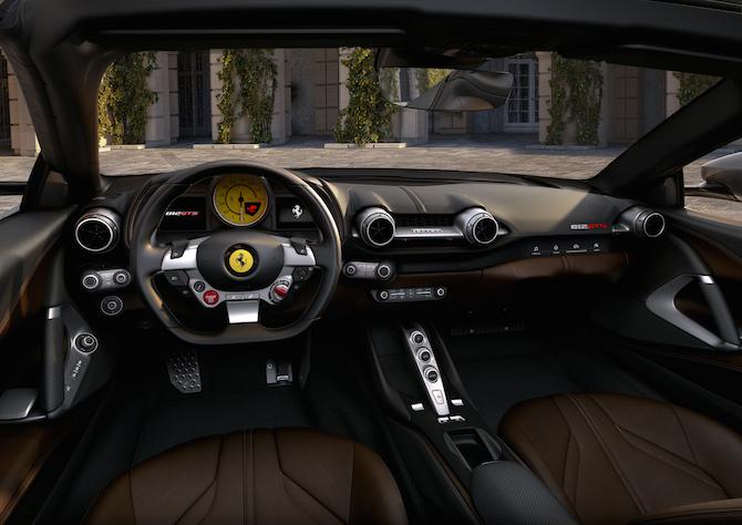 Ferrari 812 GTS, interni