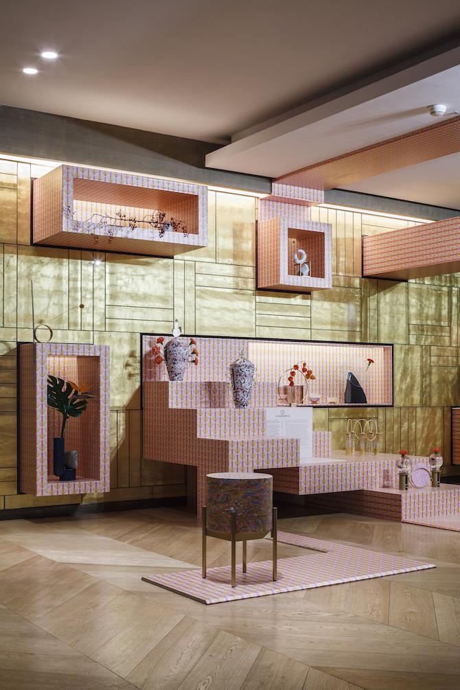 Una suggestiva installazione di opere realizzate da Sara Ricciardi con importanti maestri artigiani è presente al Rosa Grand di Milano, visitabile fino al 31 Gennaio 2020 – Photo Credit: Luca Rotondo per Starhotels
