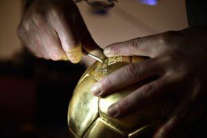 Il Pallone d'oro. Dagli atelier orafi di Parigi agli stadi del mondo