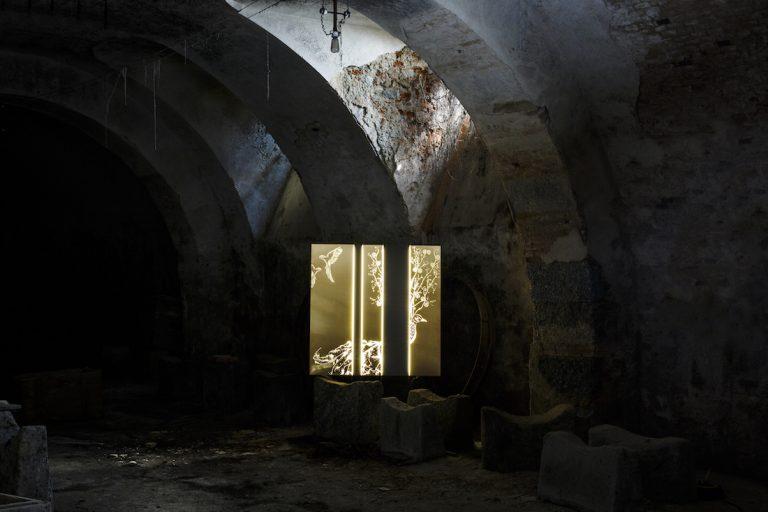 Le installazioni artistiche di Camilla Carzaniga: luce nell'anima