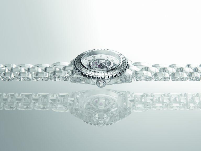 Chanel J12 X-RAY: attraversare la materia