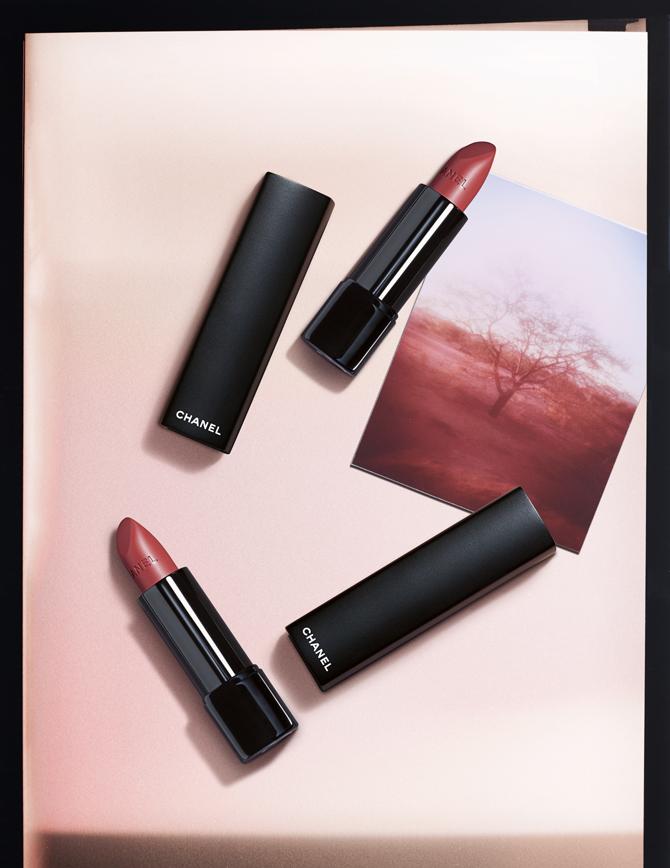 Rouge Brûlant e Velvet Extrème_ Chanel SS2020