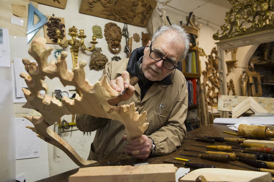 intaglio del legno: il Maestro Daniele Nencioni