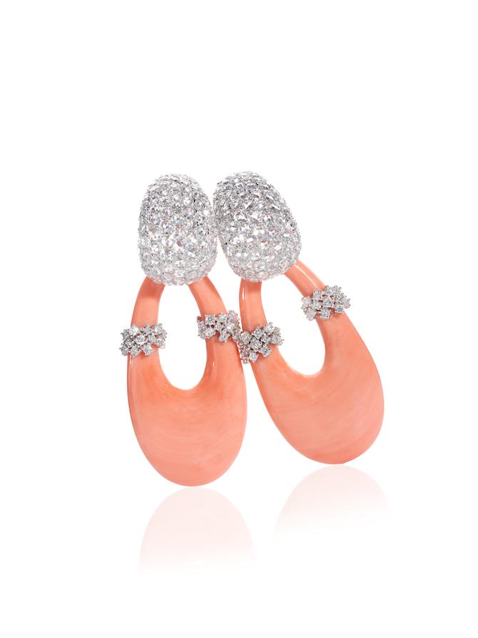 De Simone, Collezione MyLady, orecchini in corallo rosa del Giappone e diamanti taglio brillante