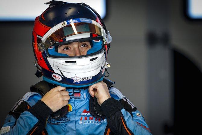 La pilota colombiana Tatiana Calderon è la driver femminile che finora ha raggiunto le prestazioni più elevate su una vettura monoposto.