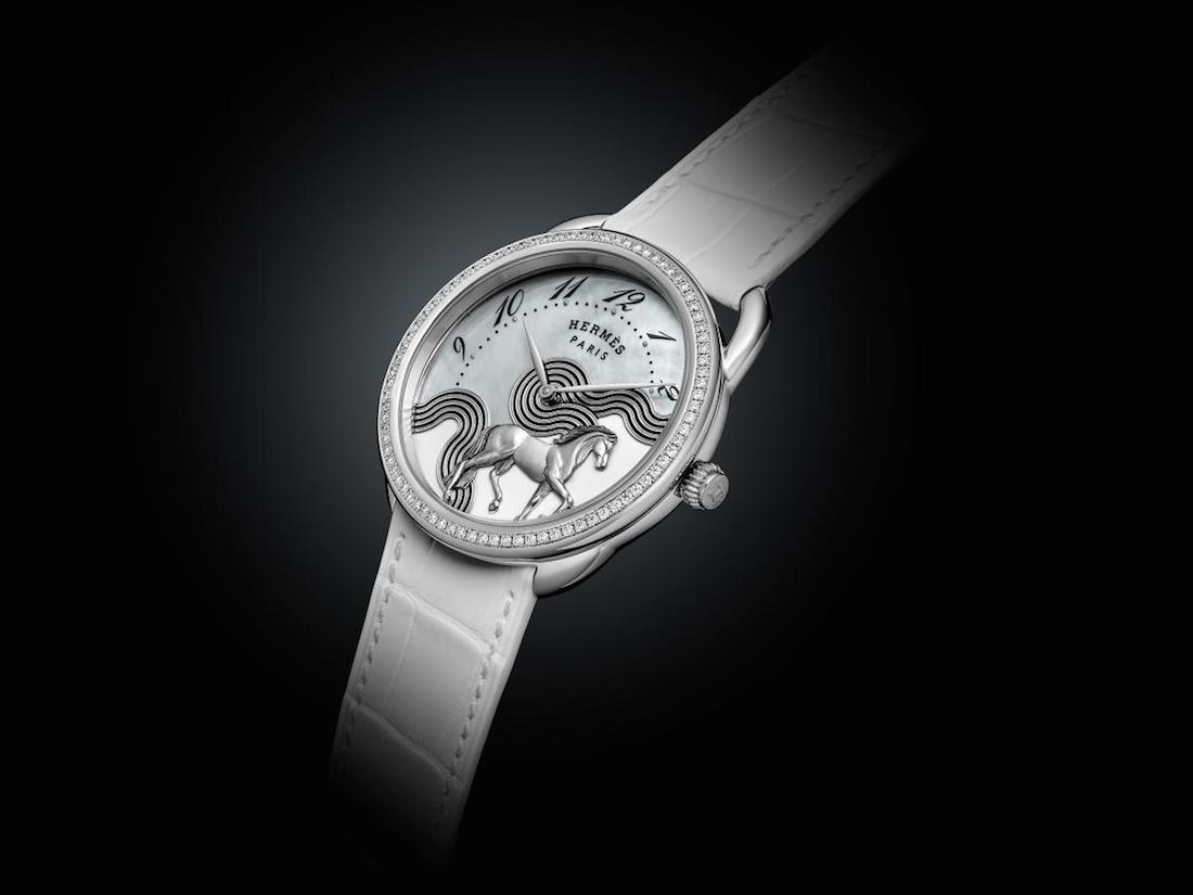 Hermès Arceau Cheval Cosmique. A cavallo dell'onda