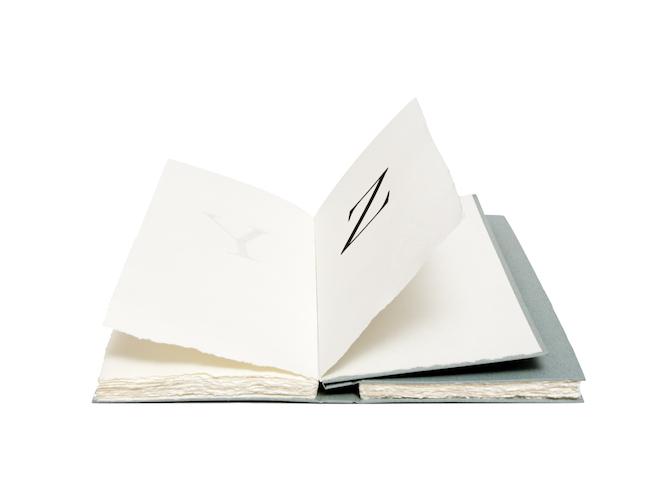 """""""Libroinfinito"""". Design: Giulio Iacchetti & Tallone Editore"""