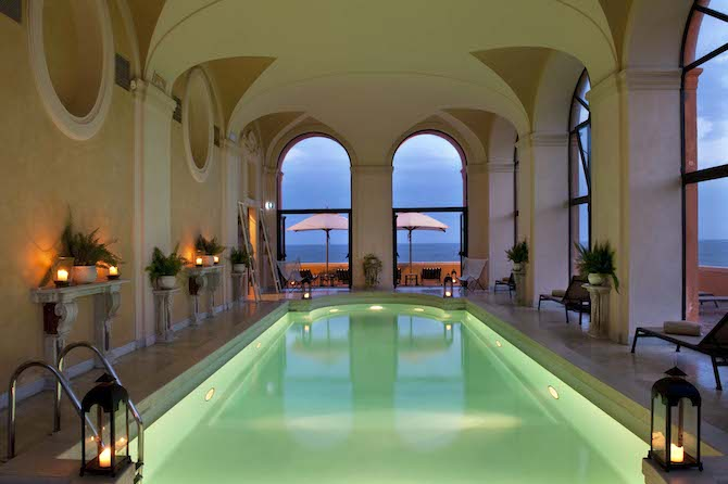 La piscina dell'Hotel LA POSTA VECCHIA