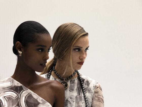 Chanel Spring Summer 2021 Lights, Camera, Action. La Spring Summer 2021 di Chanel è un'ode al cinema