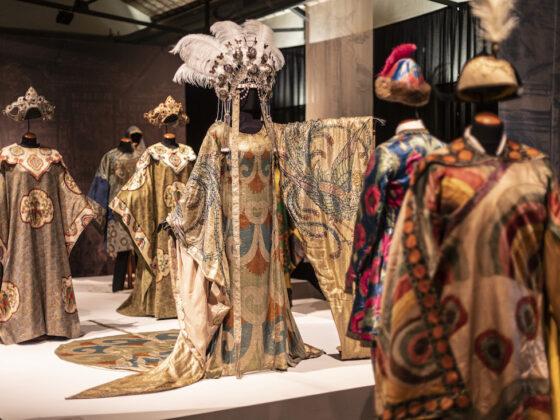 La Turandot di Puccini va in scena al Museo del Tessuto di Prato.