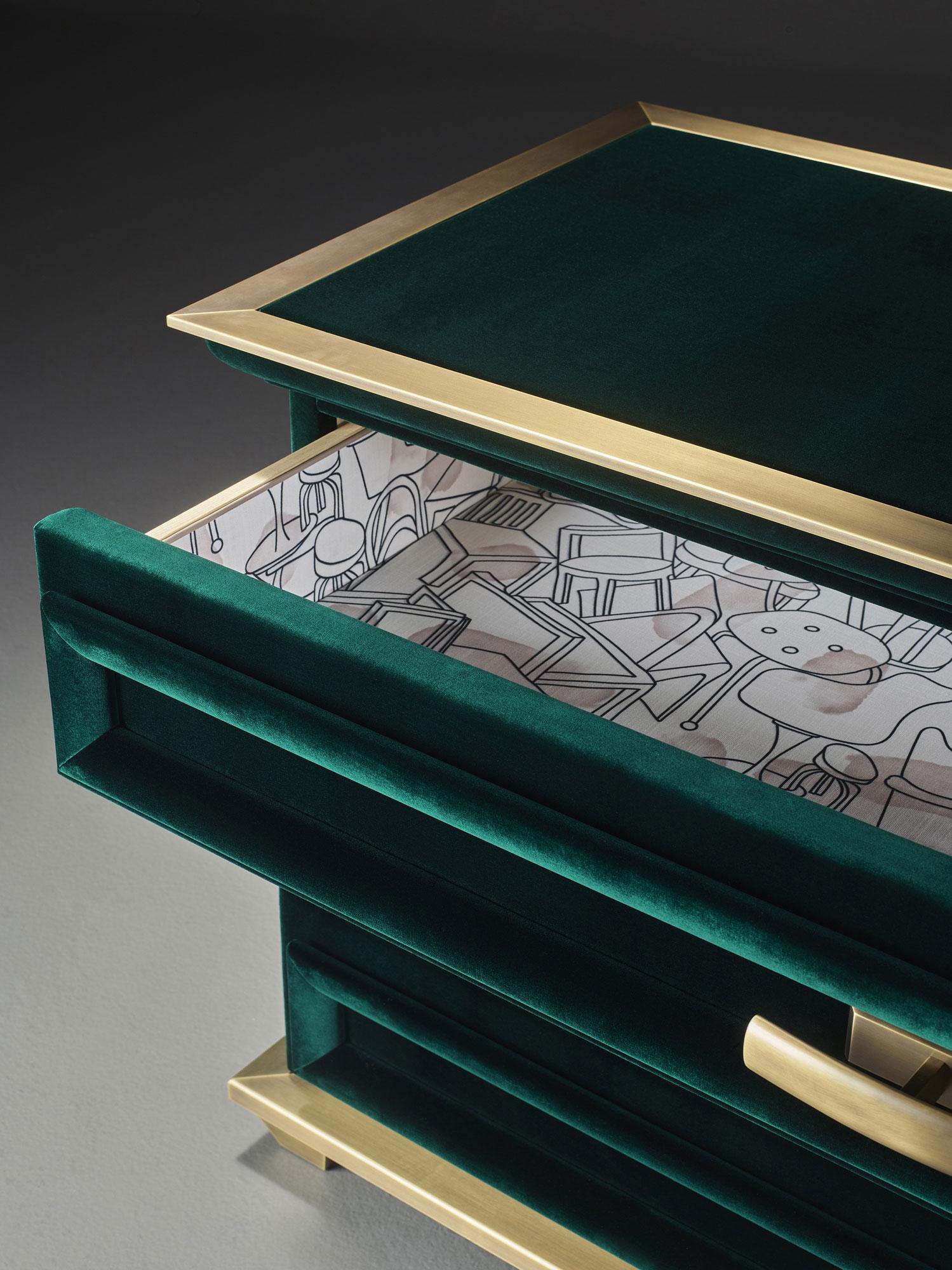 Babilonia, chest of drawers; design by Romeo Sozzi - Photo Credit: Promemoria