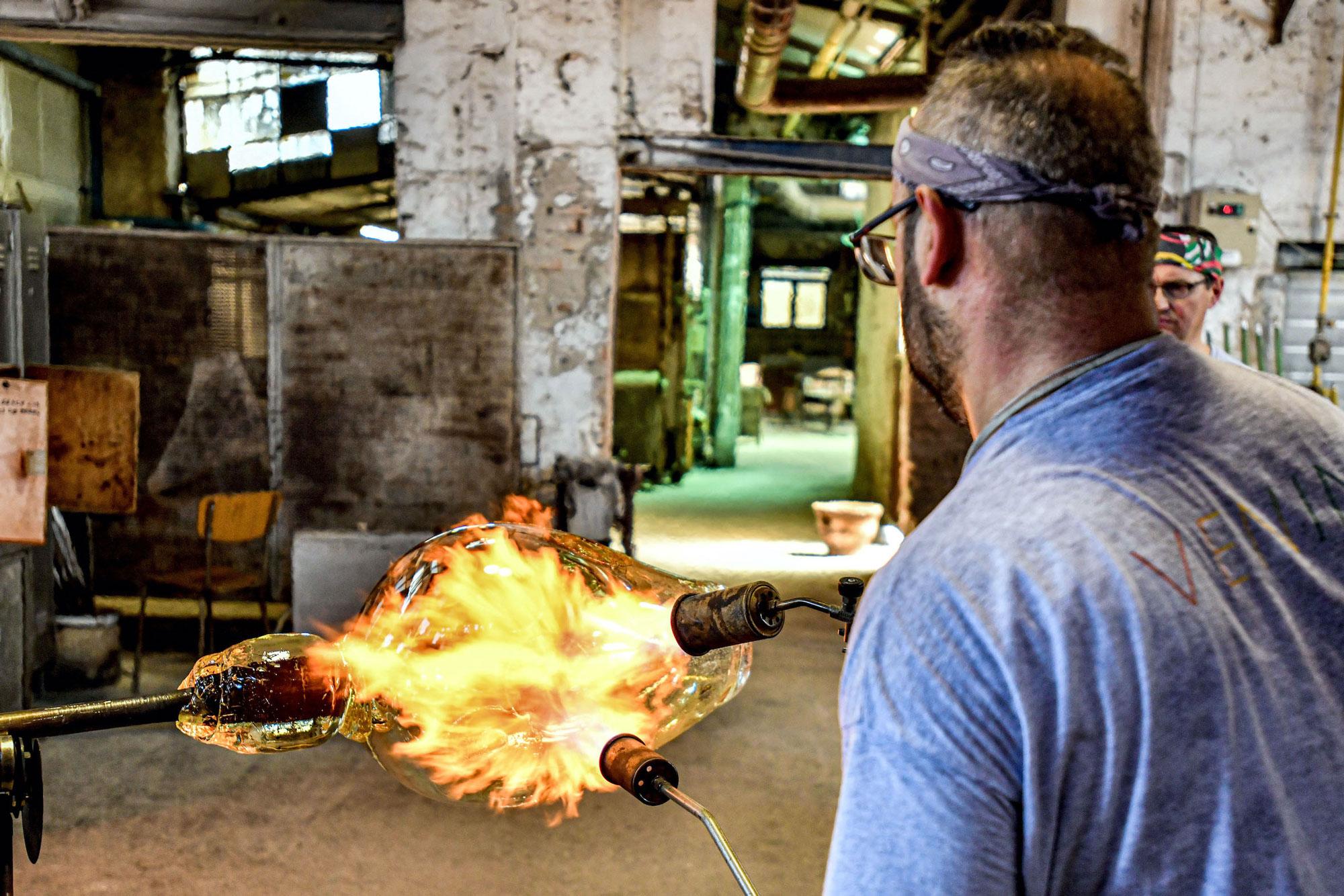 Lavorazione in fornace di Pyros Centenario, opera di Emmanuel Babled – Photo Credit: Venini