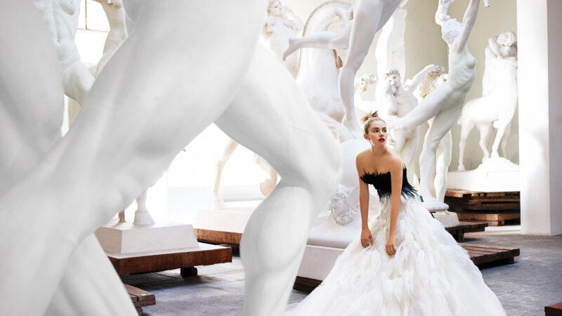 Mario Testino 1. Mario Testino - Sienna Miller, Rome, American Vogue, 2007 - Courtesy of 29 ARTS IN PROGRESS gallery