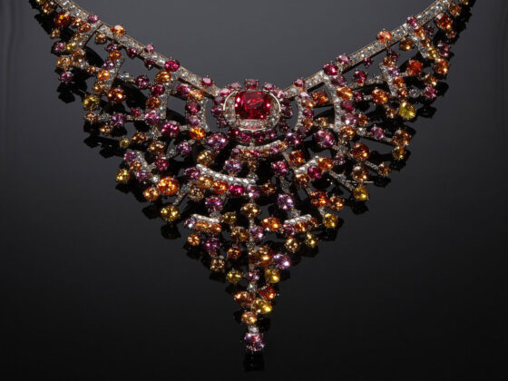 Collection N°5, Chanel High Jewelry. Collana Blushing Sillage